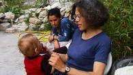 Aurel et Nadia vivent dans des squats précaires depuis leur arrivée de Roumanie. Quand Nadia accouche de jumeaux à seulement […]