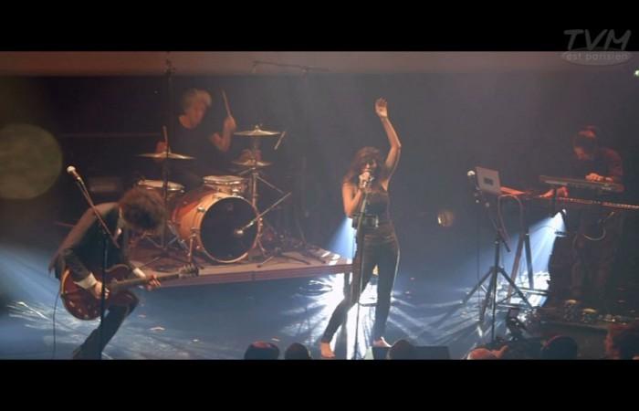 Yasmine Hamdan en concert à la Gaîté lyrique